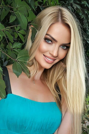 cope latina women dating site Senior dating sites looking  today more than ever, women over the age of 50 are finding opportunities for love and friendship in the unlikeliest of places.